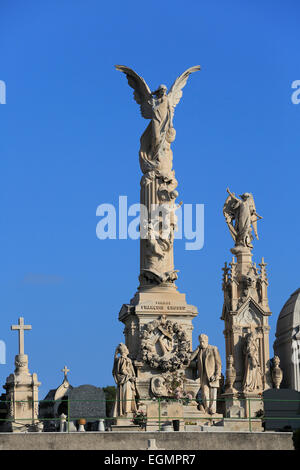 Monumental tombs with angels, Cimetière du Château cemetery on the castle hill, Nice, Alpes-Maritimes department, - Stock Photo