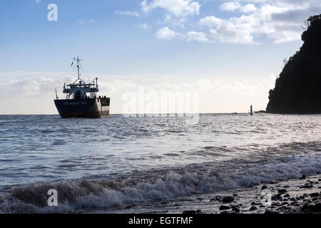 icelandic hav leaving Teignmouth in Devon.ness,container ship icelandica hav leaving Teignmouth,Devon,Shaldon IMO: - Stock Photo