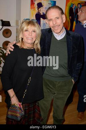 New York, NY, USA. 2nd Mar, 2015. Peter Max, Nancy Sinatra at arrivals for Unveiling of New Paintings by Peter Max - Stock Photo