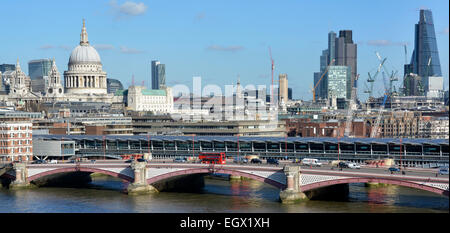 London Bridge Train Station New Business Shops In