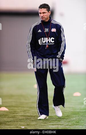 Foxborough, Massachusetts, USA. 4th Mar, 2015. New England Revolution Head Coach Jay Heaps watches over practice - Stock Photo
