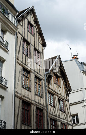 Nos. 11 and 13 Rue François-Miron are among the oldest houses in Paris. - Stock Photo