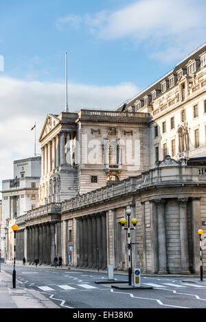 The imposing front of the Bank of England on Threadneedle Street in the City of London - Stock Photo