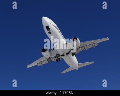 Boeing 737-4B7 N802TJ on final approach at YOW, March 5, 2015 - Stock Photo