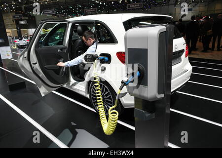 Geneva, Switzerland. 03rd Mar, 2015. The new Mercedes-Benz B-Class electric drive, stands docked to a charging station - Stock Photo