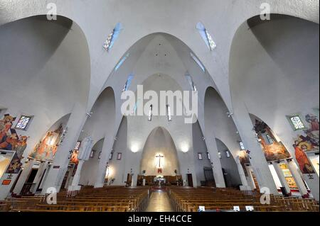 France, Alpes Maritimes, Nice, Sainte-Jeanne-d'Arc (St. Joan of Arc) Church (1913-1933), the interior frescoes by - Stock Photo