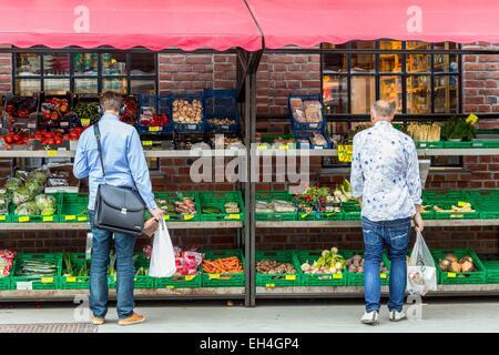 Norway, Oslo, Vulkan district, Mathallen Food Hall, gourmet food market opened in 2012 - Stock Photo