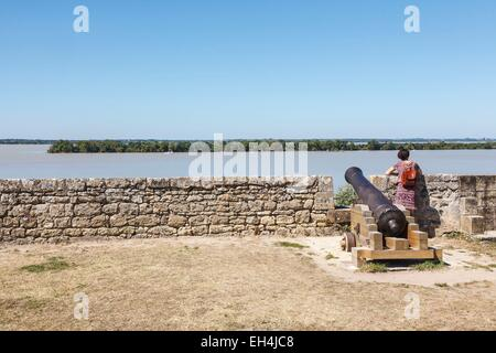 France, Gironde, Blaye, view on the Gironde river and l'Ile Nouvelle from the citadel, Fortifications of Vauban, - Stock Photo