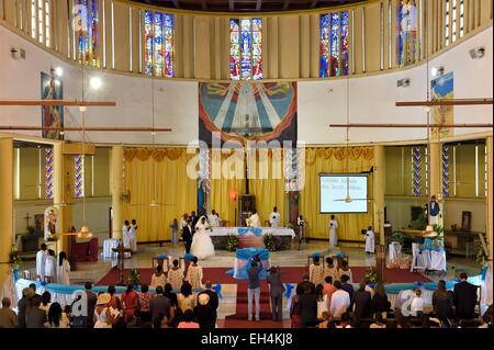Gabon, Libreville, St. Mary's Cathedral, wedding ceremony - Stock Photo