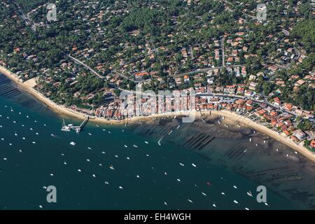 France, Gironde, Lege Cap Ferret, le Canon, the seaside resort on the Bassin d'Arcachon (aerial view) - Stock Photo