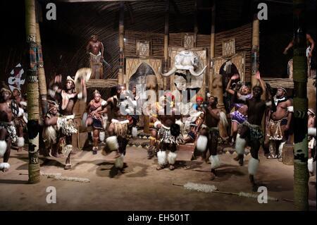 South Africa, Kwazulu Natal, Eshowe, Zululand, Shakaland, dancers performing traditional zulu dance - Stock Photo