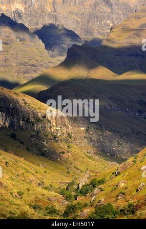 South Africa, Kwazulu Natal, Drakensberg mountains, uKhahlamba Park, listed as World Heritage by UNESCO, Cathedral - Stock Photo