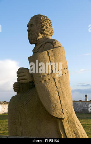 Statue of Henry St Clair, Earl of Orkney at Noss Head lighthouse.  Near Wick, Caithness, Scotland, UK. - Stock Photo