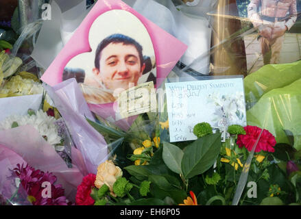 Tributes to 15 year old Alan Cartwright knifed to death in Caledonian Road, North London - Stock Photo