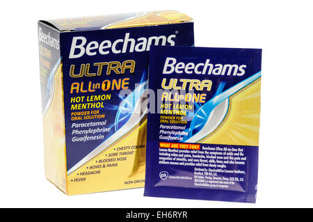 Beechams 'Ultra' Powders for cold and flu relief, containing paracetamol, phenylephrine and guaifenesin - Stock Photo