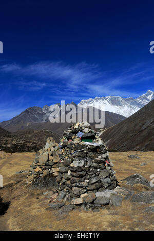 Buddhist Stupa at Orsho village, Everest base camp trek, Sagarmatha National Park, UNESCO World Heritage Site, Solu - Stock Photo
