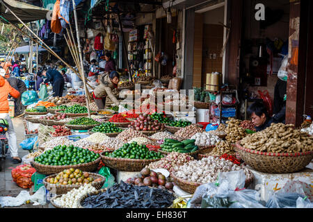 Market in the old quarter, Hanoi, Vietnam, Indochina, Southeast Asia, Asia - Stock Photo