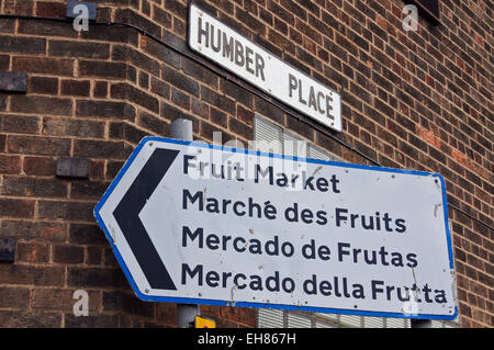 Archive image of quadrilingual sign to Fruit Market in English, French, Spanish and Italian, Kingston upon Hull, - Stock Photo