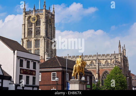 Holy Trinity Church and gilded statue of William of Orange, Kingston upon Hull, East Riding, Yorkshire, England - Stock Photo