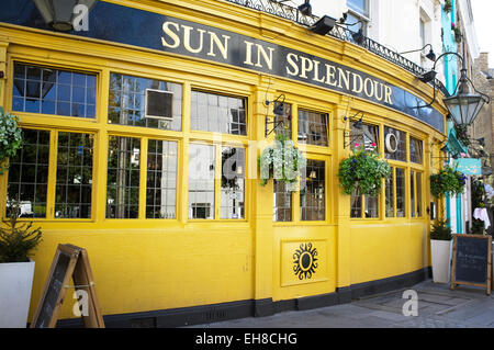 LONDON, UK – APRIL 15, 2014: Sun in Splendour, an English Pub, Portobello Road, Notting Hill - Stock Photo