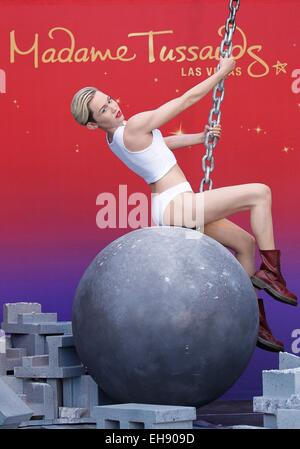 Las Vegas, NV, USA. 9th Mar, 2015. Miley Cyrus Figure at the press conference for Miley Cyrus Wrecking Ball Figure Unveiled at Madame Tussauds, Madame Tussauds, Las Vegas, NV March 9, 2015. Credit:  MORA/Everett Collection/Alamy Live News Stock Photo