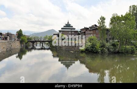 Mosque at Jahelum river in Srinagar, Kashmir - Stock Photo