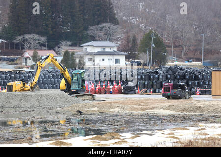 (150310) -- FUKUSHIMA, March 10, 2015 (Xinhua) -- Black bags containing buildup of contaminated wastes are seen - Stock Photo