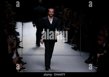 UNITED KINGDOM, London : Designer Tom Ford thanks the audience at the end of his shown during the 2014 Autumn / - Stock Photo