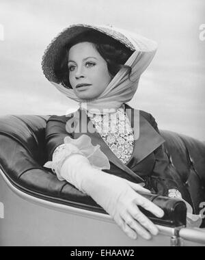 Sarah Miles, on-set of the Film 'Those Magnificent Men in Their Flying Machines', 1965 - Stock Photo