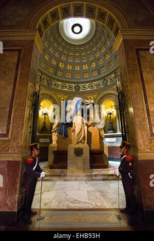 Argentina, Buenos Aires, Metropolitan Cathedral, Mausoleum of General Jose San Martín guarded by soldiers in dress - Stock Photo