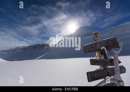 Moon rising at Nallostugan wilderness hut, Kebnekaise mountain area, Kiruna, Sweden, Europe, EU - Stock Photo