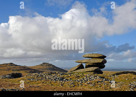 Showery Tor, the northernmost summit of the Roughtor ridge on Bodmin Moor, Cornwall. The summit of Roughtor is in - Stock Photo