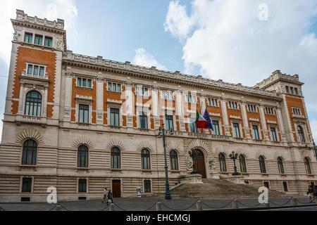 Italian parliament building palazzo montecitorio stock for Parlamento montecitorio