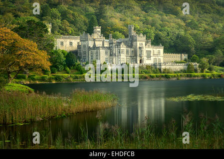 Kylemore Abbey, and lake. Connemara region, Ireland - Stock Photo