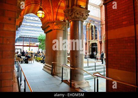 Renaissance Hotel,Lobby,Interior original grand staircase & vestibule,in keeping with Victorian design,St Pancras - Stock Photo