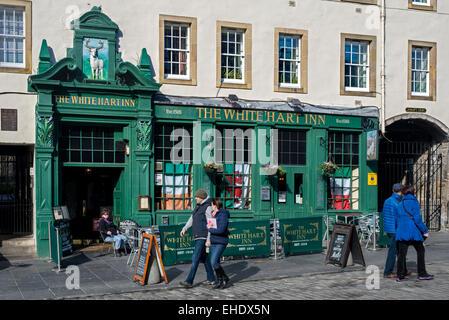 The White Hart Inn, in the Grassmarket area of Edinburgh, Scotland, UK. - Stock Photo