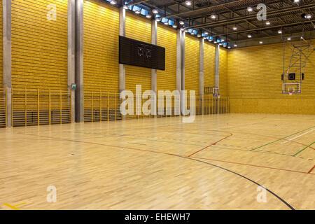 Basketball court at indoor sports arena in coimbra for Free inside basketball courts