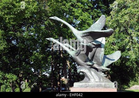 Fliegende Schwäne / Flying Swans - Stock Photo