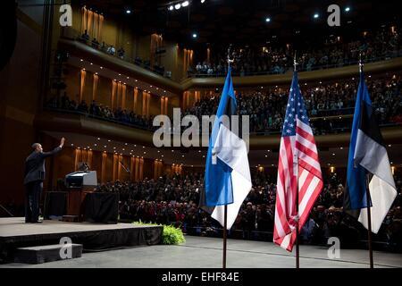 US President Barack Obama waves to the audience after delivering remarks at Nordea Concert Hall September 3, 2014 - Stock Photo