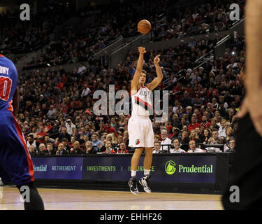 March 13, 2015 - MEYERS LEONARD (11) shoots a three-pointer. The Portland Trail Blazers play the Detroit Pistons - Stock Photo