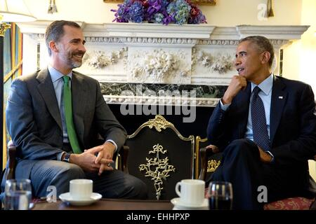 US President Barack Obama meets with King Felipe VI of Spain at the Waldorf Astoria Hotel September 23, 2014 in - Stock Photo