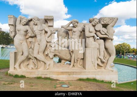 One of the two sculpture groups in front of the palais de Chaillot in paris. La Joie de vivre by Léon Driveir and - Stock Photo