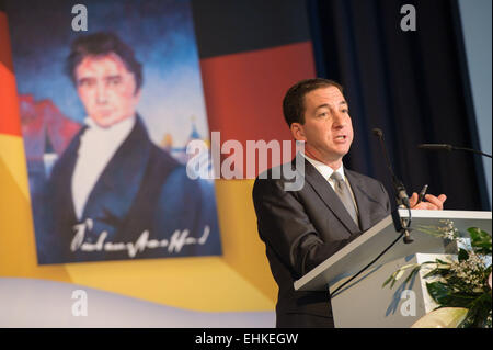 Homburg, Germany. 15th Mar, 2015. The US investigative journalist Gleen Greenwald speaks to the guests during the - Stock Photo
