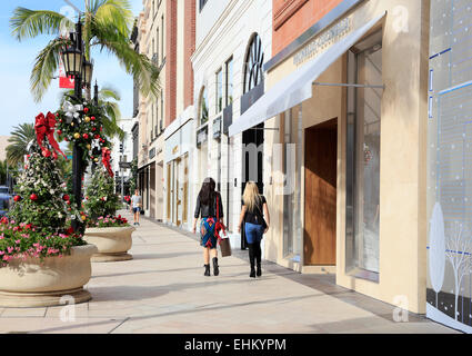 Rodeo drive, Beverly Hills, Los Angeles, California. Women shopping. - Stock Photo