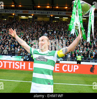 Hampden Park, Glasgow, Scotland. 15th Mar, 2015. Scottish League Cup Final. Dundee United versus Celtic. Scott Brown - Stock Photo