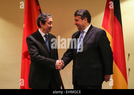 (150316) -- HANOVER, March 16, 2015 (Xinhua) -- German Vice-Chancellor, Economy and Energy Minister Sigmar Gabriel - Stock Photo