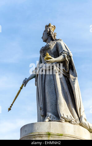 Statue of Queen Anne outside St Paul's Cathedral, London, UK - Stock Photo