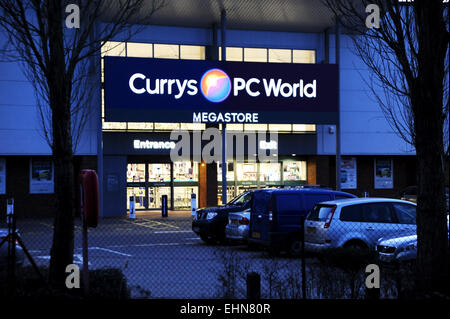 PC World Norwich is open Monday-Friday during the week, on weekends they are open Saturday and Sunday. Today they are open from am until pm. If you need to contact the store, they can be reached by post at: PC World Norwich, Unti 5 Sweetbriar Retail Park, Norwich, Norfolk, NR6 5DH or .
