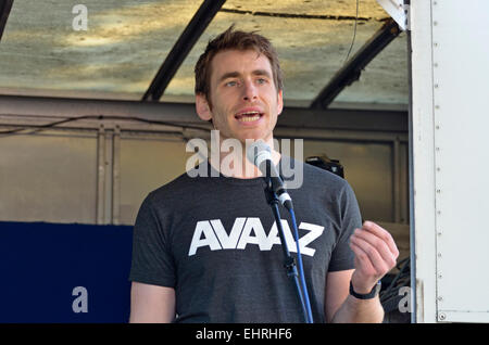 Bert Wander,  Media Campaigner (London) for AVAAZ.org - online activist organisation -  speaking in London 2015 - Stock Photo