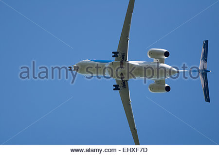 Aeroplane undercarriage engine jet airliner close - Stock Photo